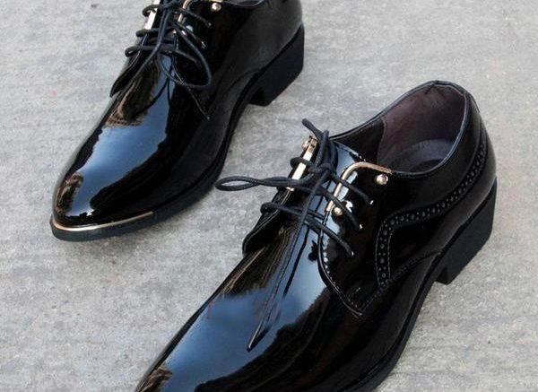 лачени черни обукви