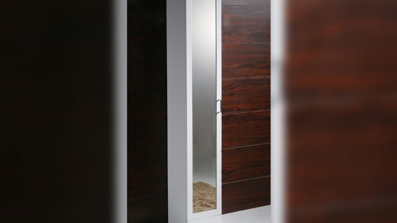 Колонен огледален PVC шкаф за баня